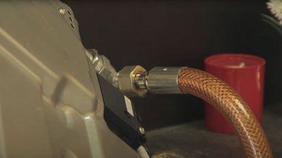 Wie und wann wechselt man den Gasschlauch einer Kochplatte aus?