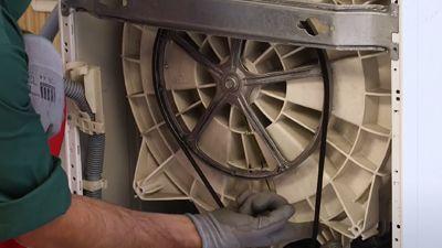 Wie wechselt man den Keilriemen einer Waschmaschine aus?